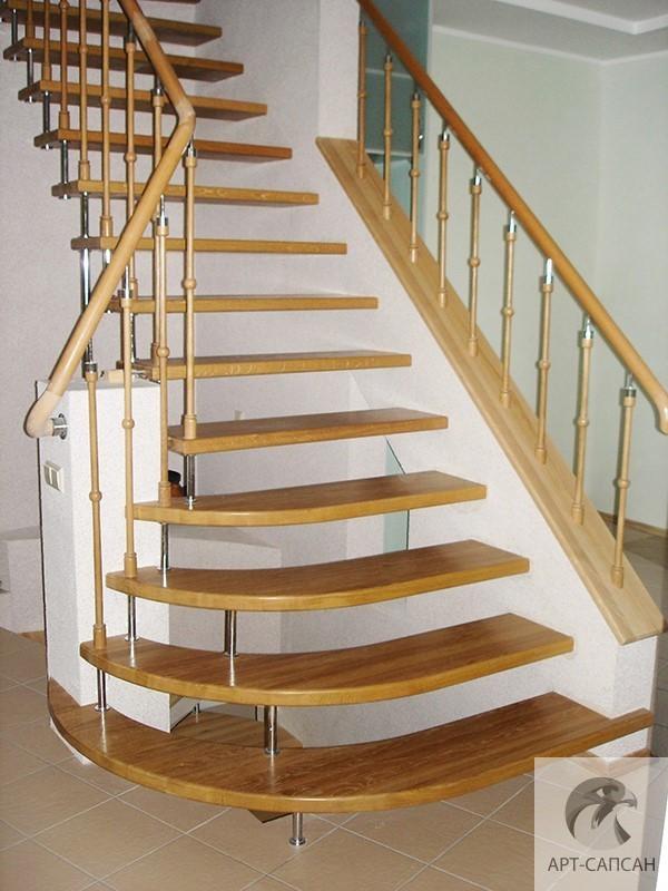 Деревянные поручни и перила для лестниц купить в Москве с